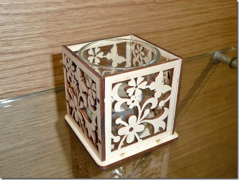 17 škatlica za čajno svečko
